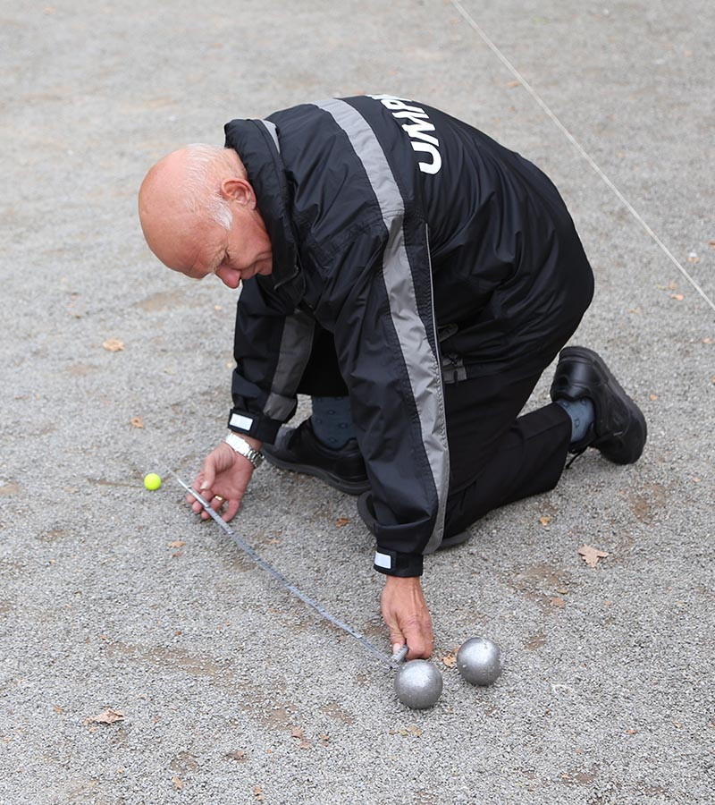 https://www.petanque-england.uk/wp-content/uploads/2018/12/umpire3.jpg