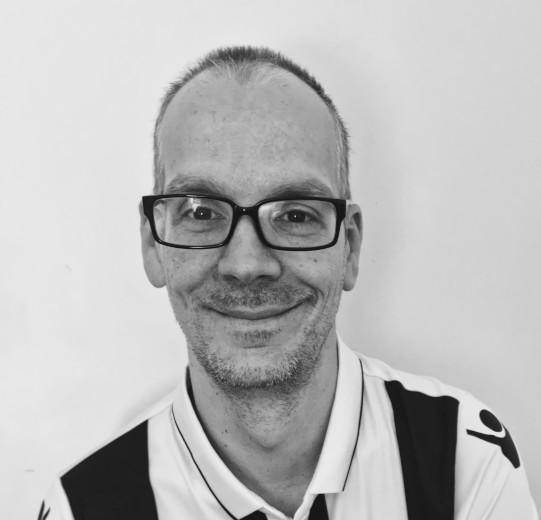https://www.petanque-england.uk/wp-content/uploads/2021/03/gareth_PE.jpg